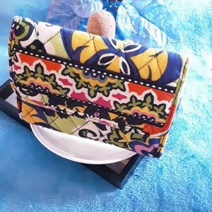 👛EUC Vera Bradley quilted wallet multi-color👛